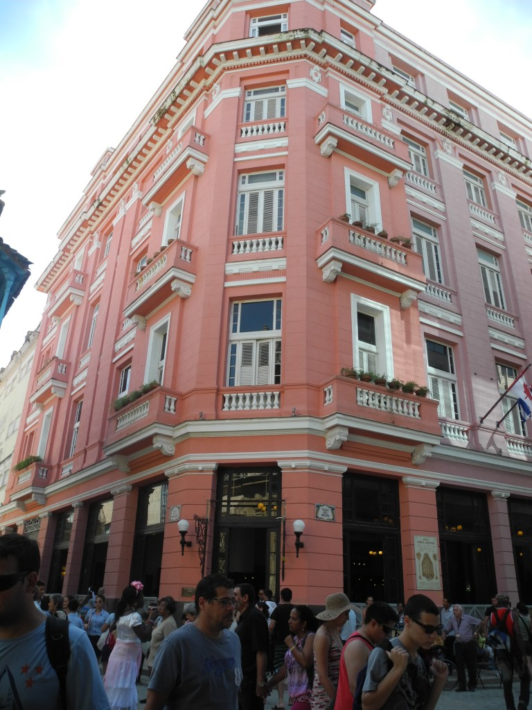 Hemingway lived at the Ambos Mundos Hotel in the 1930s. Tourists can visit the room he lived in Room 511.